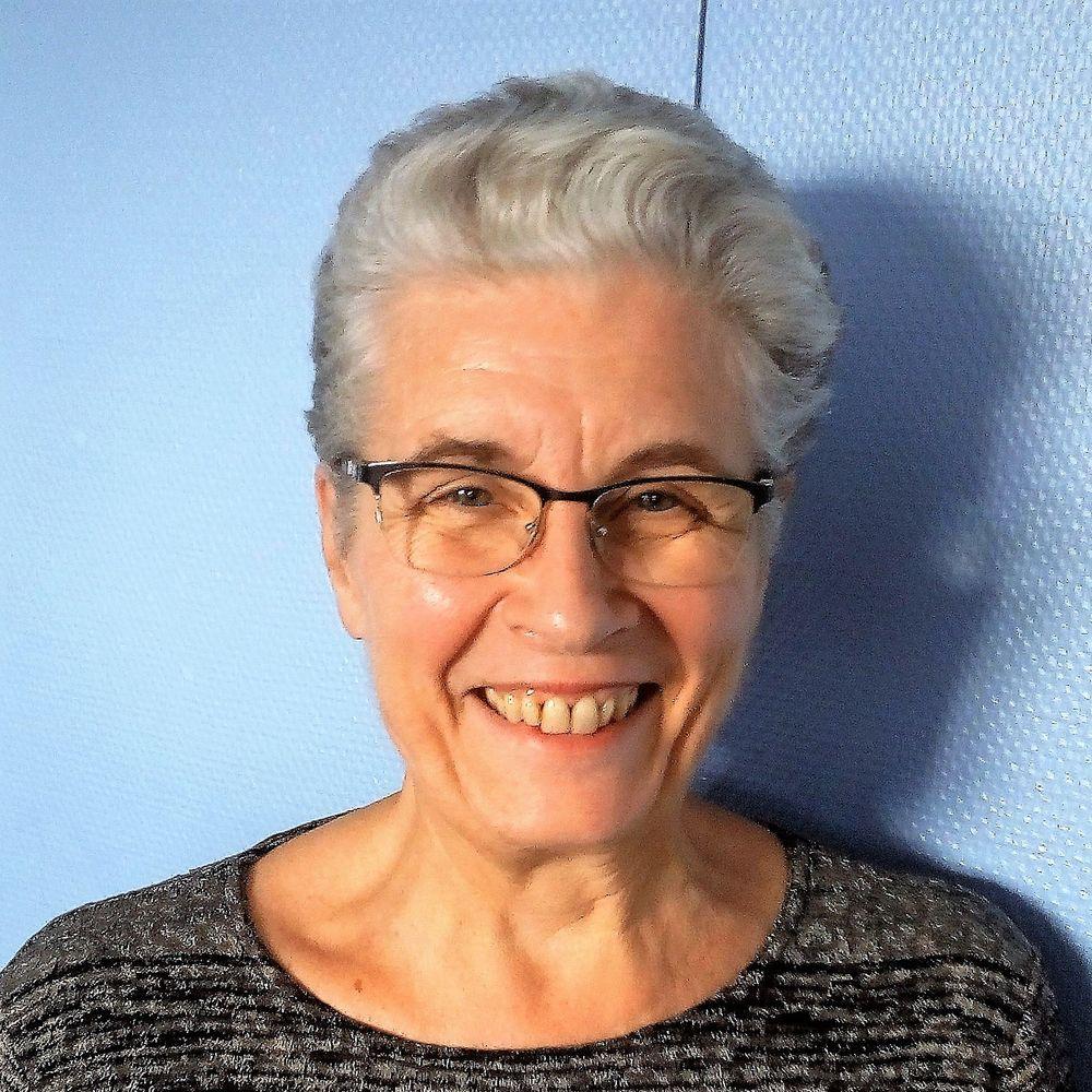 Elisabeth – Accueillante et animatrice en centre socioculturel et enmilieu scolaire